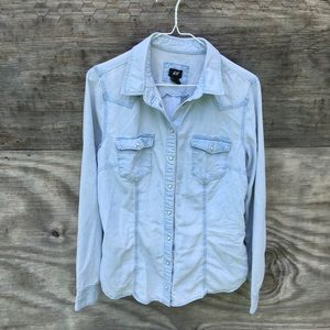 •H&M•Light Blue Chambray Style Button Down•